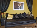 Black&Gold room